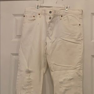 Levi ripped white jeans